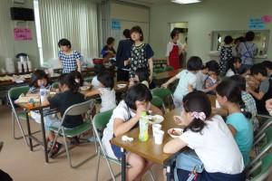 16 バザー 食堂②